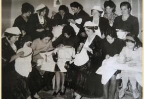 """L'inadeguatezza di essere una figlia femmina """"borderline"""" a Napoli (storia di una dote)"""