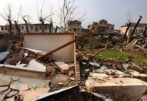"""Tornado in Veneto: per i Tg è stato """"un fresco acquazzone estivo"""""""